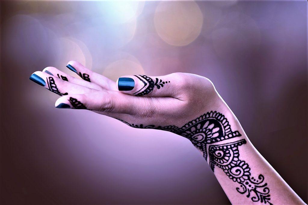 Jak Zrobić I Dbać O Tatuaż Z Henny Kosmetyczne Tajniki