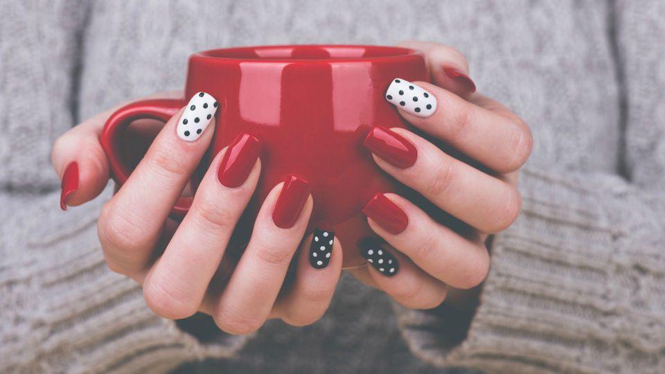 manicure akrylowy